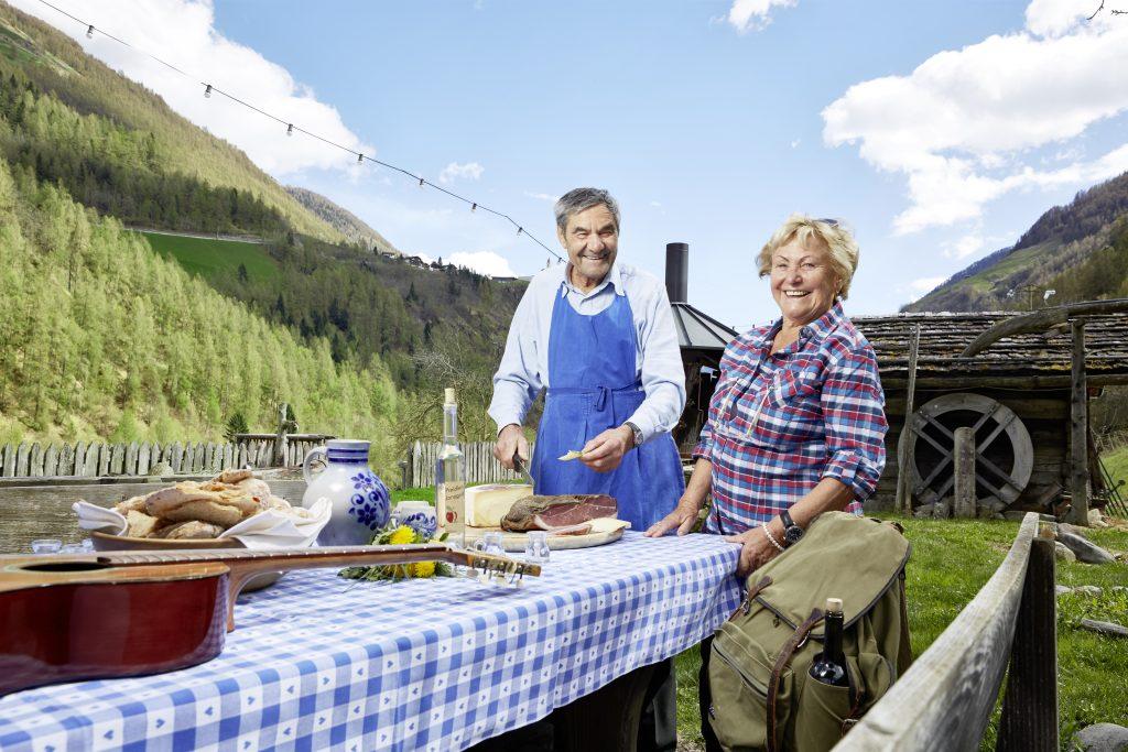 Senior Chefin Rosa und Senior Chef Josef bei der Kulinarik-Marende auf dem Platthof