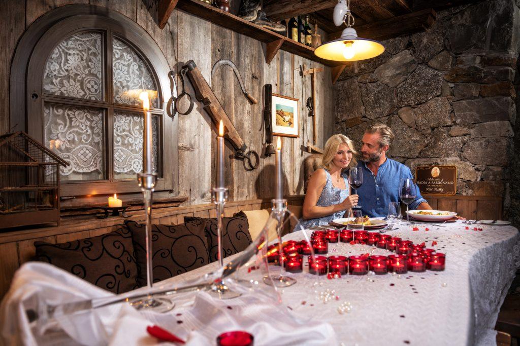 adutls only Romantic Dinner im Liebeshotel