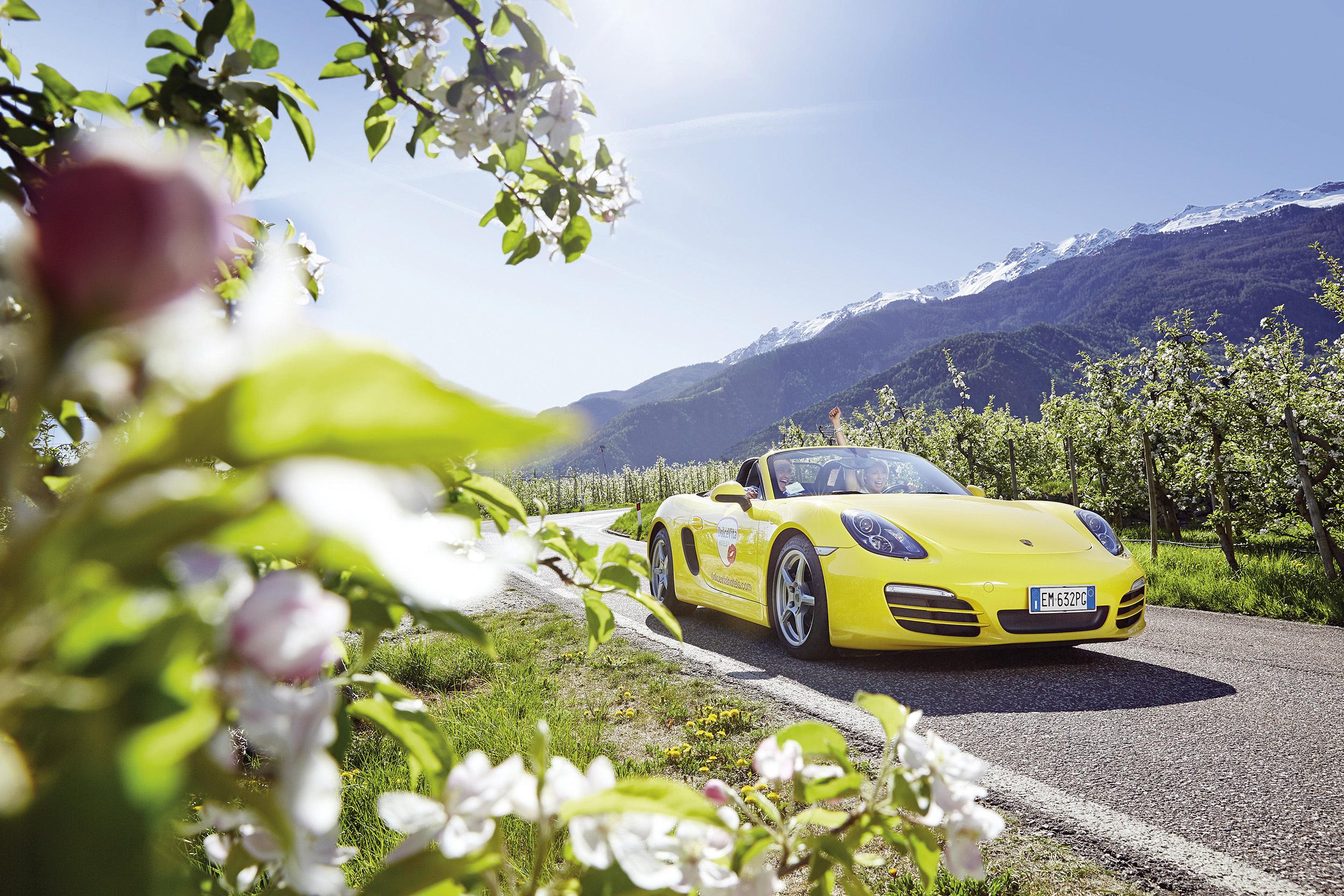 Ausfhart mit dem Porsche Cabrio - adutls only im Liebeshotel